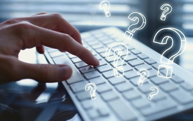 klawiatura komputerowa, znaki zapytania wokół